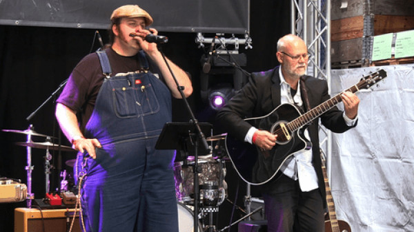 04.04.2019 um 20:00 Uhr Tom Jack and the Bigharmonicaman